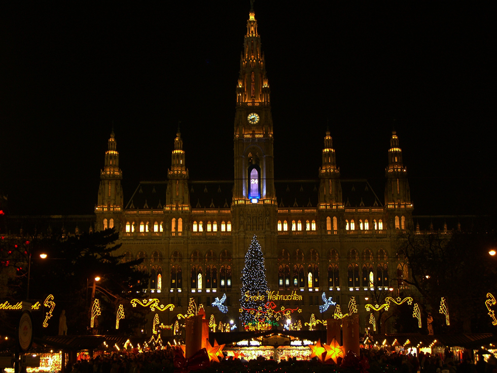 Das Wiener Rathaus als Adventkalender