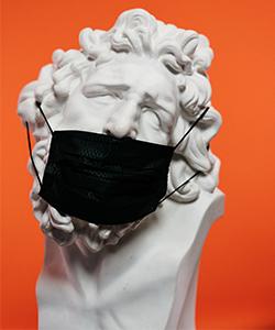 Statue mit Maske - Covid19